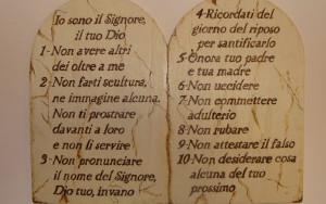 I dieci comandamenti una legge ancora valida - Tavole dei dieci comandamenti ...
