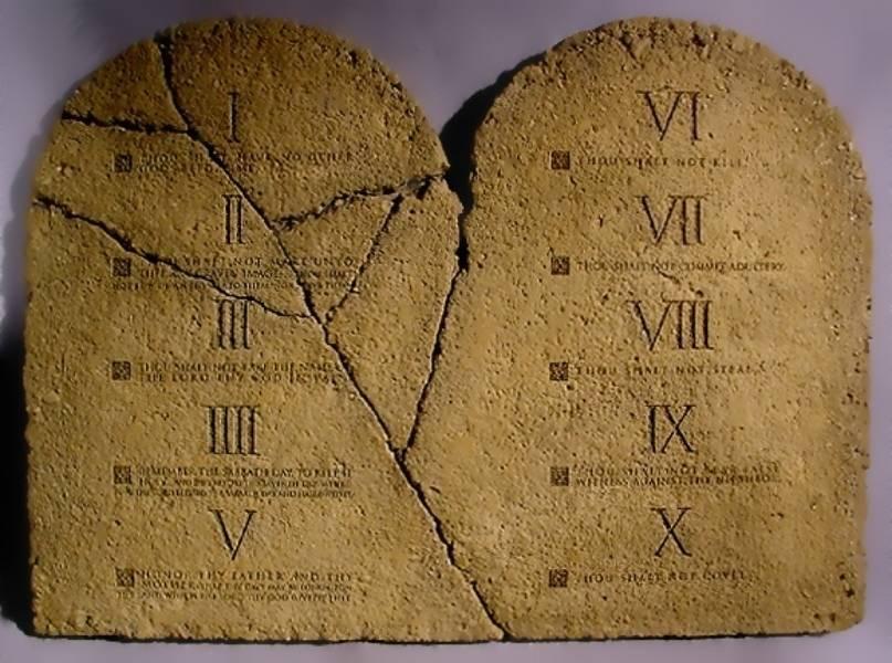 I dieci comandamenti una legge ancora valida - Le tavole della legge ...
